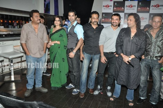Crime-and-Bollywood-on-Zoom-TV-Launch-bash-at-Saharastar.jpg
