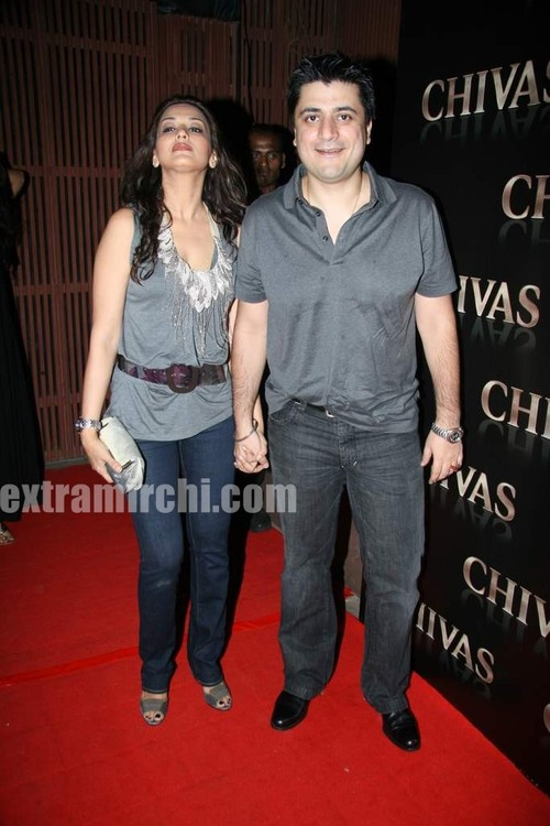 Goldie-Behl-and-Sonali-Bendre-at-Chivas-Studio-party-5.jpg