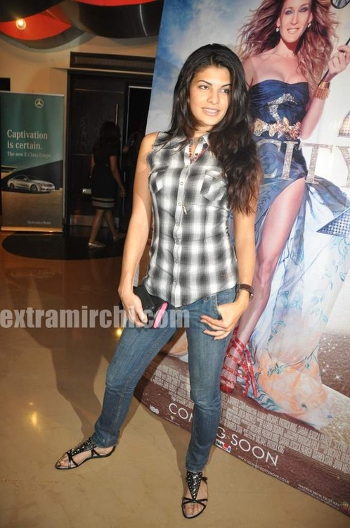 Jacqueline-Fernande-at-Sex-and-the-City-2-Mumbai-premiere.jpg