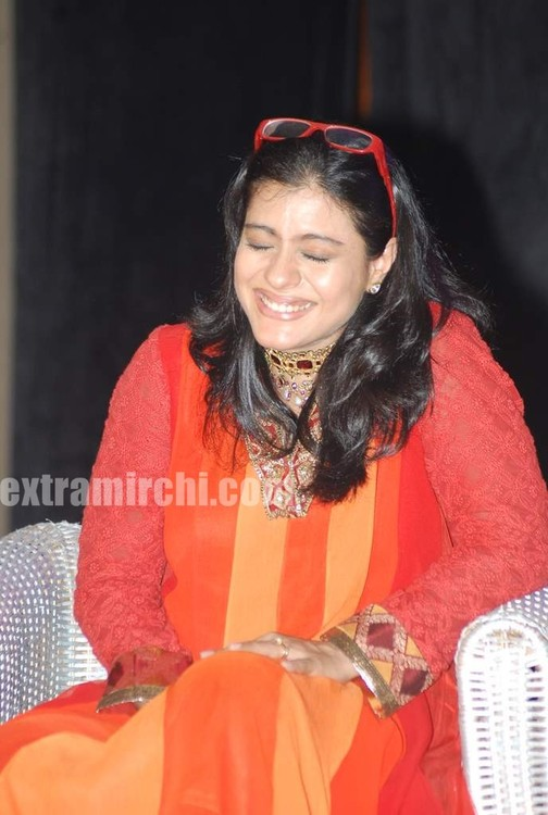 Kajol-at-the-launch-of-Gautam-Rajadhyaksha-book-1.jpg