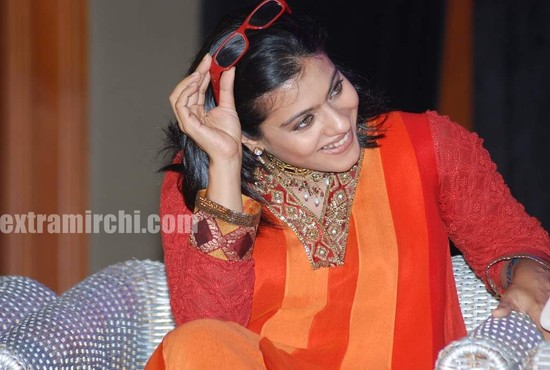 Kajol-at-the-launch-of-Gautam-Rajadhyaksha-book-5.jpg
