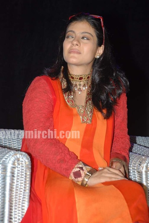 Kajol-at-the-launch-of-Gautam-Rajadhyaksha-book.jpg