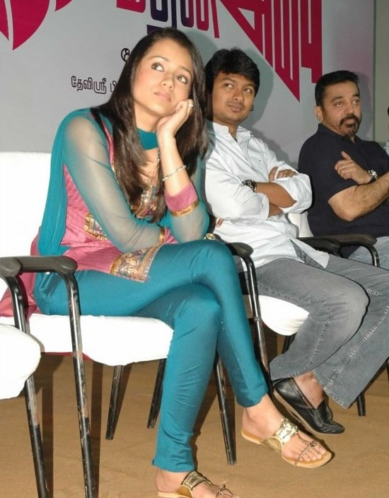 Kamal-Haasan-dhayanidhi-Stalin-and-Trisha-at-Manmadhan-Ambu-launch.jpg
