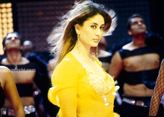 Kareena-Kapoor-in-Milenge-Milenge-wallpapers-2.jpg