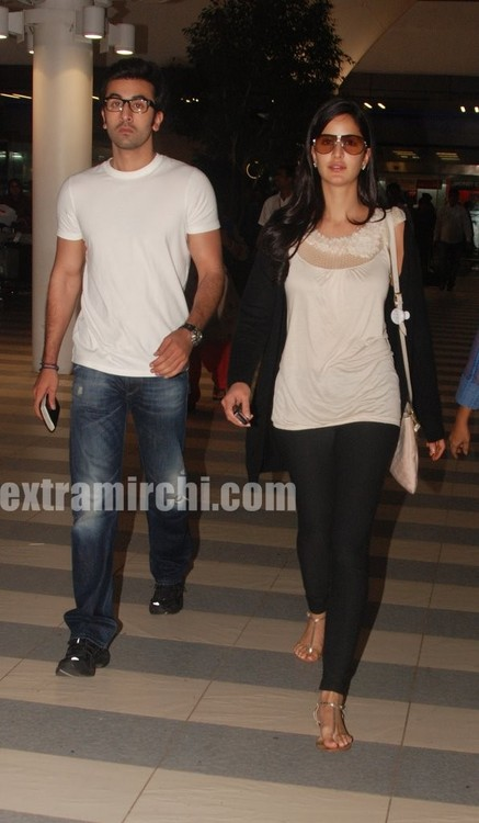 Katrina-Kaif-and-Ranbir-returns-from-Rajneethi-Dubai-Promotions-2.jpg