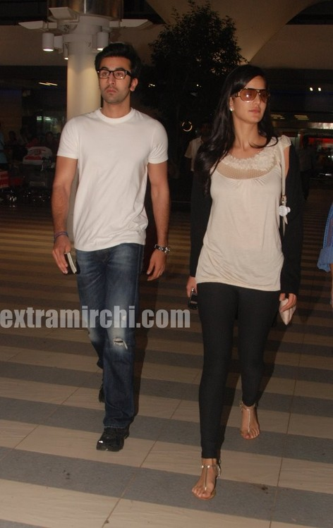 Katrina-Kaif-and-Ranbir-returns-from-Rajneethi-Dubai-Promotions-3.jpg