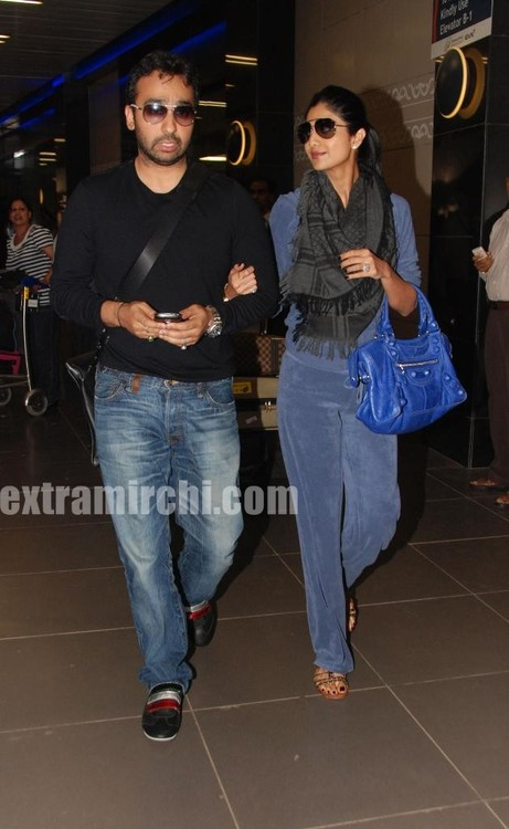 Shilpa-Shetty-with-her-husband-Raj-Kundra-3.jpg