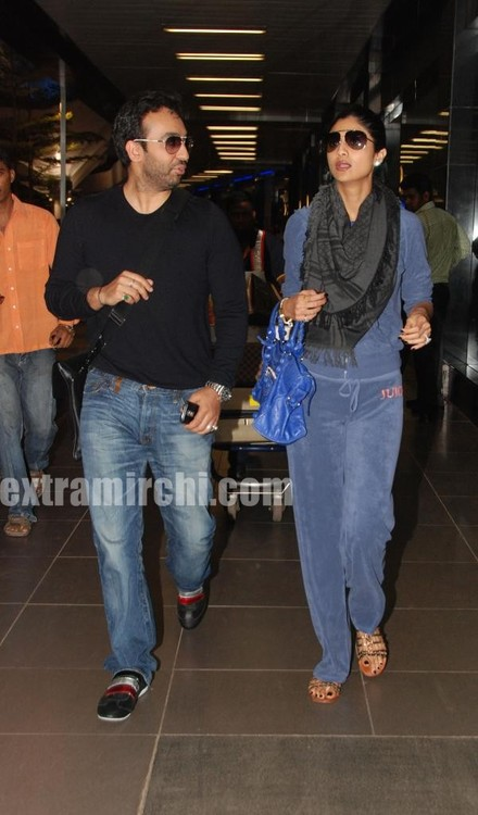 Shilpa-Shetty-with-her-husband-Raj-Kundra-5.jpg