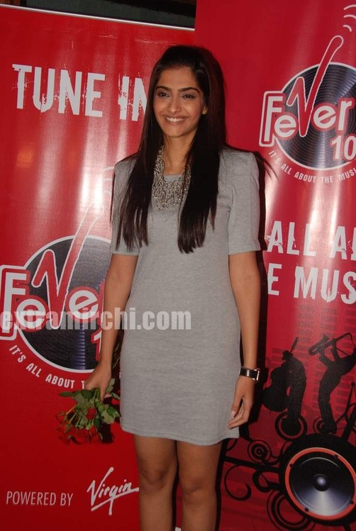 Sonam-Kapoor-at-Fever-FM-3.jpg
