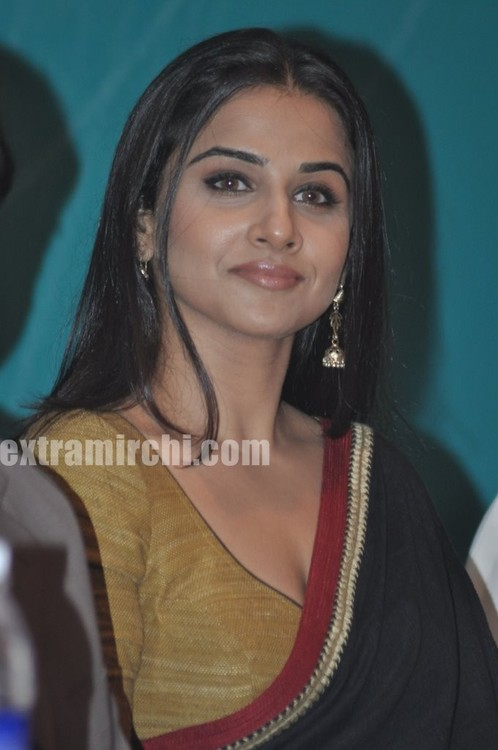 Vidya-Balan-inaugurates-Annual-seminar-on-Infertility-1.jpg