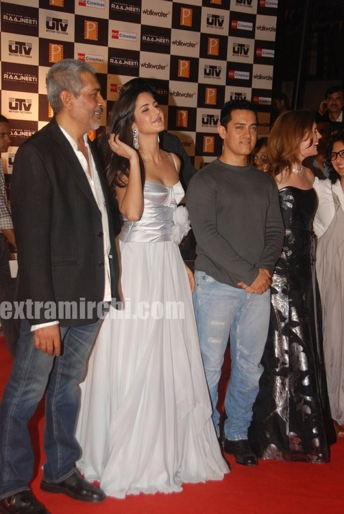 aamir-khan-and-Katrina-kaif-at-Raajneeti-premier.jpg