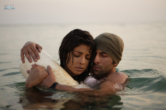 Priyanka-Chopra-and-Ranbir-Kapoor-in-Anjaana-Anjaani.