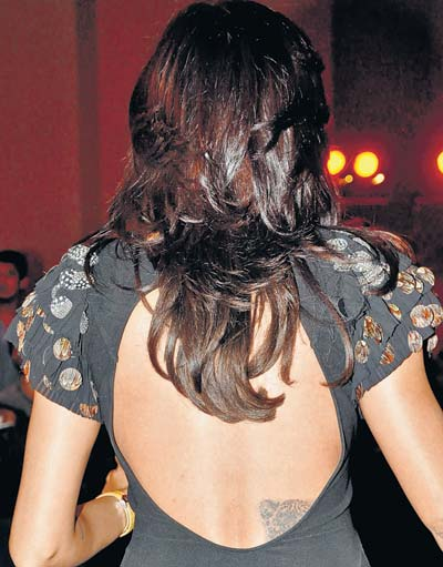 Sushmita-Sen-tattoo-on-her-back.jpg