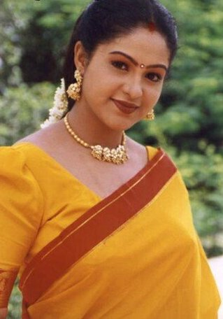 [Image: Raasi_Mantra_actress_%2821%29.jpg]