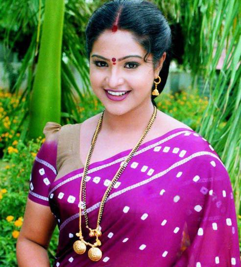 [Image: Raasi_Mantra_actress_%2828%29.jpg]