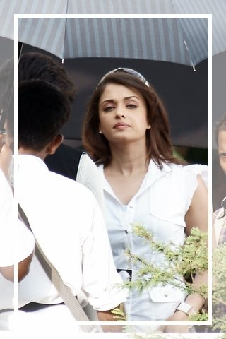 Aishwarya-rai-and-Rajini-on-the-sets-of-Endhiran.jpg