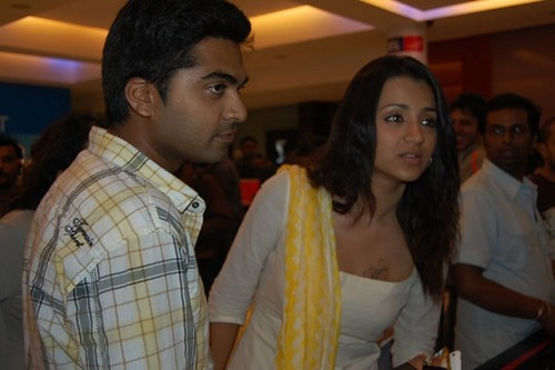 Trisha-Krishnan-and-Simbu-at-Final-Destination-3D-Premiere-Show.jpg