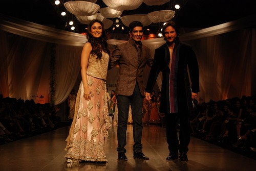 Kareena-Kapoor-and-Saif-Ali-Khan-with-designer-Manish-Malhotra.JPG