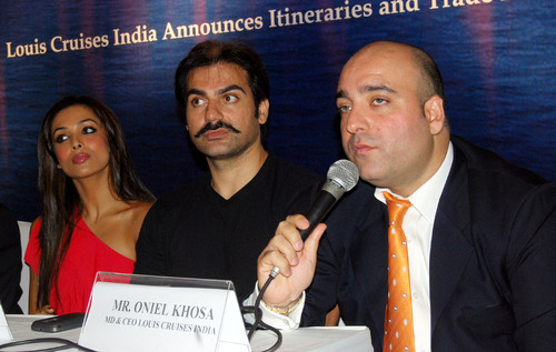 Malaika-Arora-Khan-Arbaaz-Khan-Oniel-Khosa-at-Launch-of-Indias-First-International-Louis-Cruises.JPG