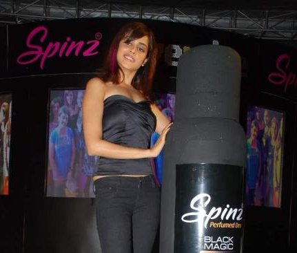 Spinz-Black-Magic-Genelia-2.JPG