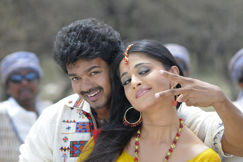 Vijay-and-Anushka-Shetty-in-Vettaikaran-Movie.jpg