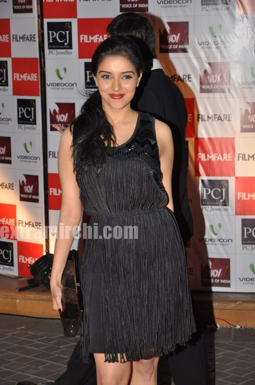 Asin-at-Filmfare-nominations-Picture-3.jpg