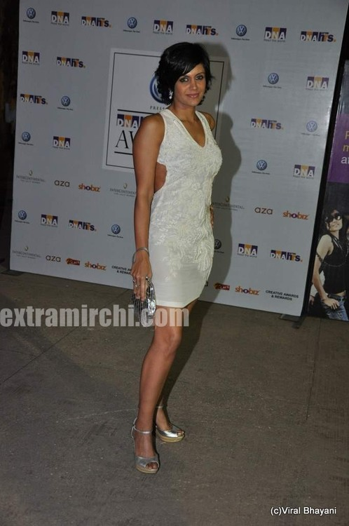 Mandira-Bedi-at-DNA-Style-Awards.jpg
