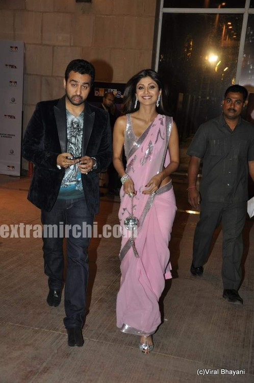 shilpa-shetty-and-raj-kundra-at-DNA-Style-Awards-1.jpg