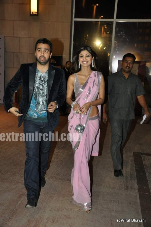 shilpa-shetty-and-raj-kundra-at-DNA-Style-Awards-2.jpg