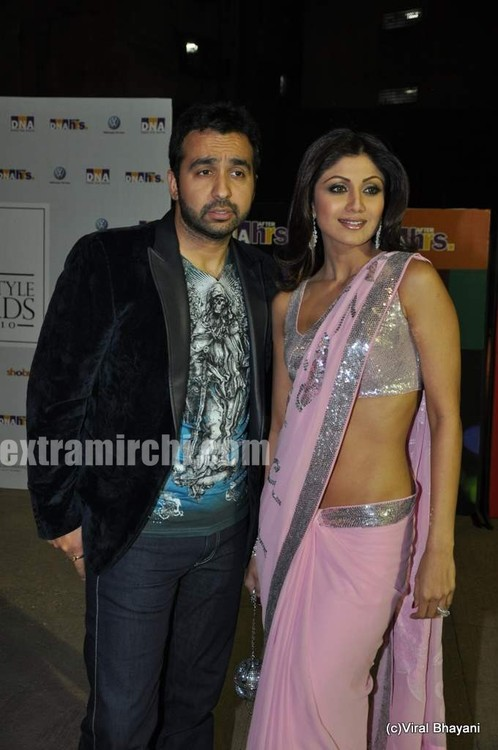 shilpa-shetty-and-raj-kundra-at-DNA-Style-Awards-5.jpg
