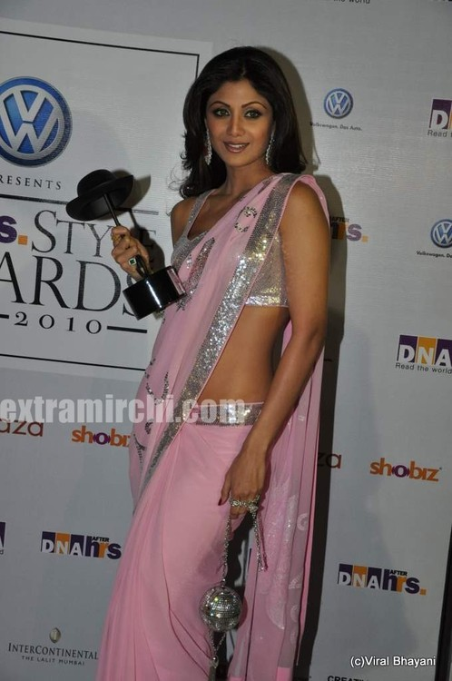 shilpa-shetty-and-raj-kundra-at-DNA-Style-Awards.jpg