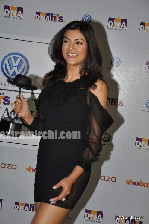sushmita-sen-at-DNA-Style-Awards-2.jpg
