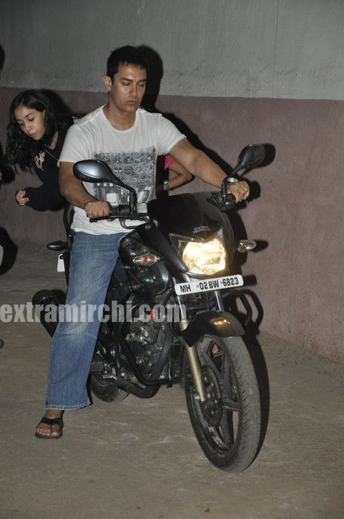 Aamir-Khan-riding-his-bike-with-daughter-Ira-1.jpg