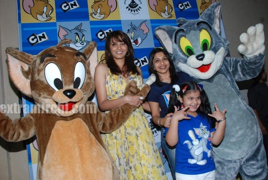 Diana-Hayden-at-Tom-and-jerry-birthday-party-5.jpg