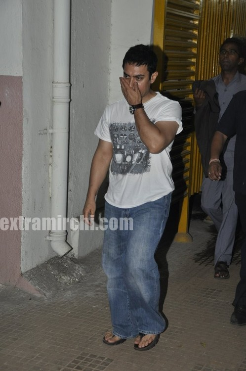 aamir-khan-in-his-house.jpg