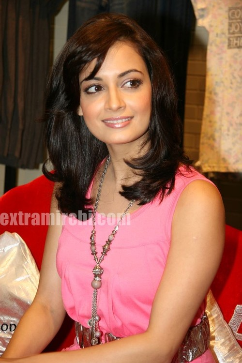 Dia-Mirza-launched-the-Best-Seller-Fashion-brand-at-the-Vero-Moda-8.jpg
