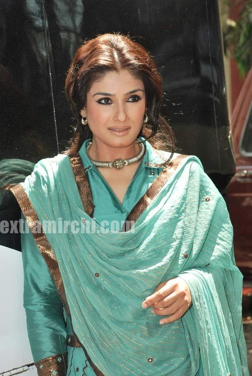 Raveena-Tandon-Agni-The-Fire-1.jpg