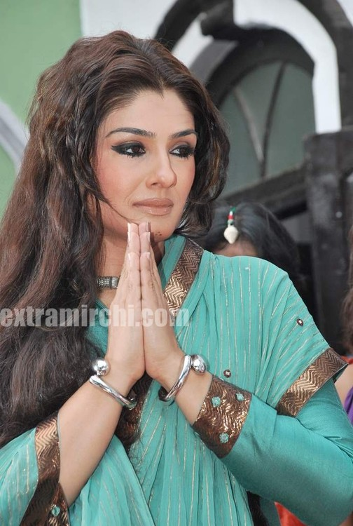 Raveena-Tandon-Agni-The-Fire-5.jpg