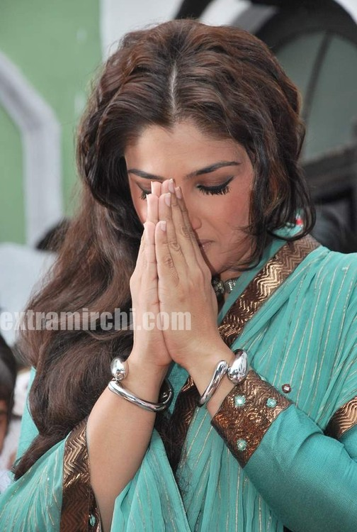 Raveena-Tandon-Agni-The-Fire-6.jpg