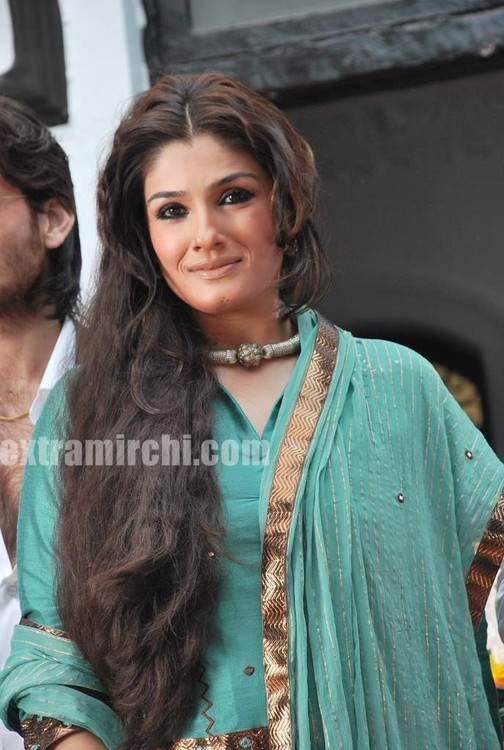 Raveena-Tandon-Agni-The-Fire-9.jpg