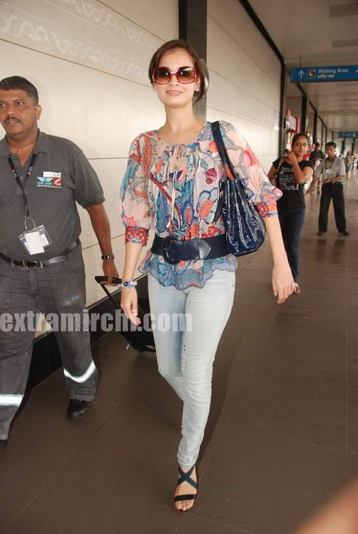 Dia-Mirza-leave-for-IIFA-Colombo-4.jpg