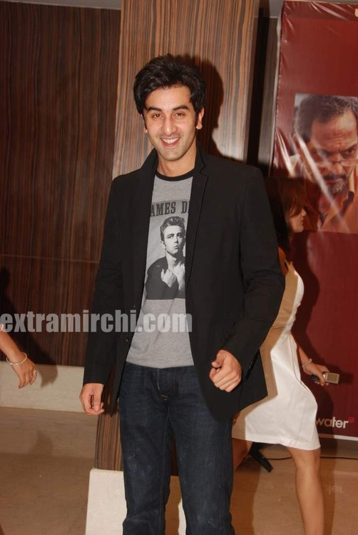 Ranbir-Kapoor-at-Raajneeti-Film-success-bash-1.jpg